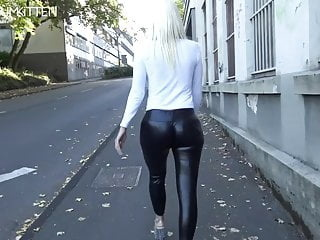 amateur blonde xtube