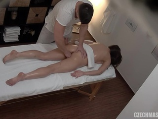 brunette hd xtube