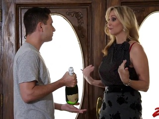 Julia ann stepmom big tits blonde cumshot video