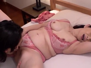 HOT JAPONESE MOTHER IN LAW 12610 amateur japanese mature video