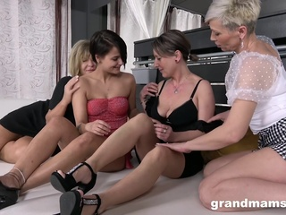 randMams – Horny Grandmams Loves Shy Teen big tits blonde brunette video