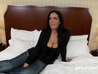 Realy Nice Mommy Fucks Hot Touching Dad's Friend big tits brunette casting video